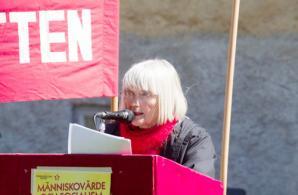 Elsa-Lena Åström talar i Alingsås