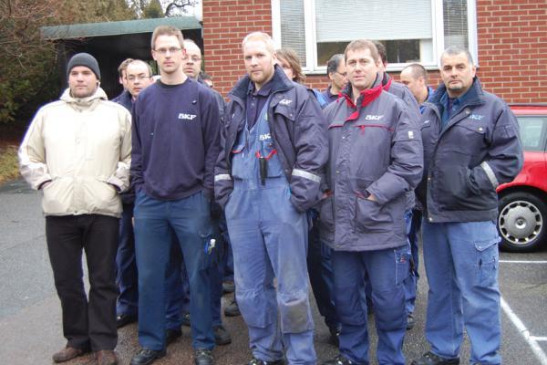 Gabriel Olausson, i mitten, tillsammans med arbetskamrater vid en protest 2009.
