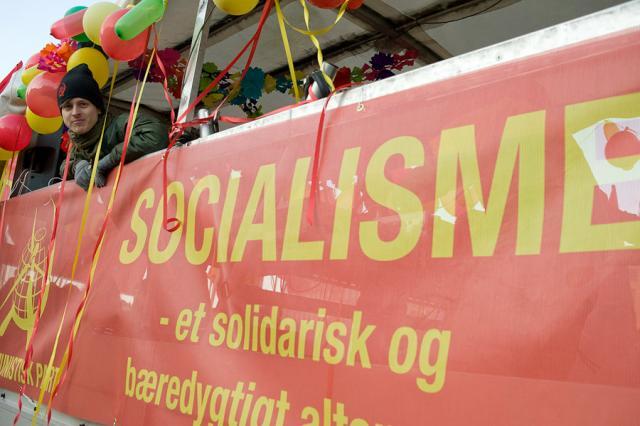 Banderoll från Kommunistiskt Parti i Danmark