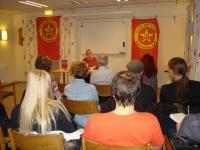 Välbesökt möte om feminism i Växjö.