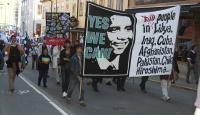 Flera tusen stockholmare visade Obama att han inte är välkommen.